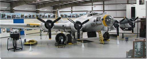 B-17G_390th_9089