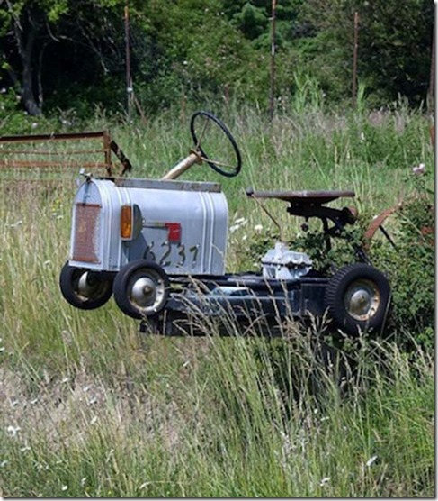 Tractor mailbox 2