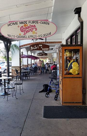 Boulder City sidewalk small
