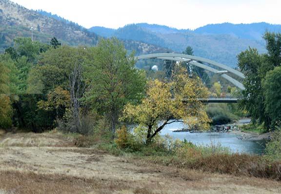 Autumn bridge small