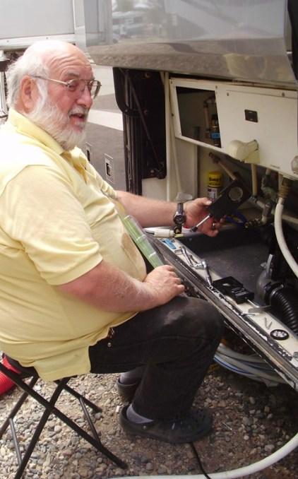 Greg-plumbing-bay[1]