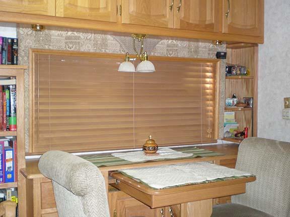 Living room blinds closed best