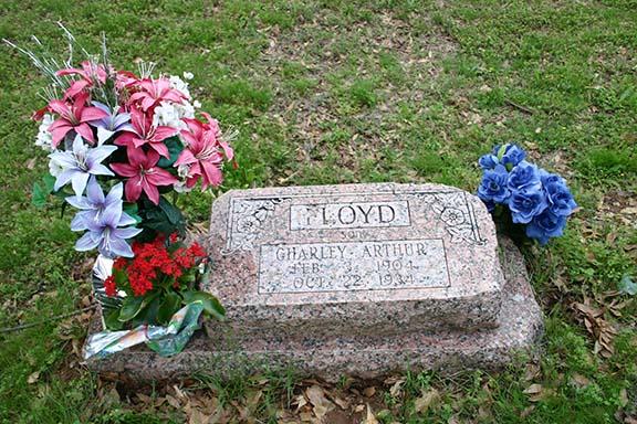 Pretty Boy Floyd Grave