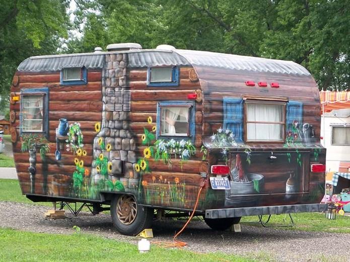 Log cabin trailer