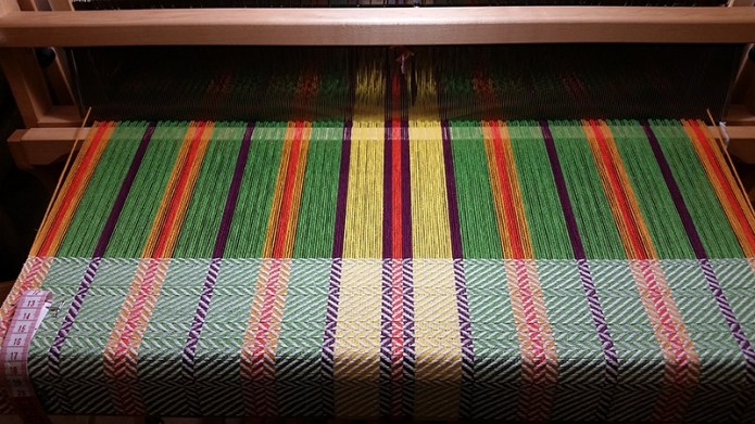 Loom front