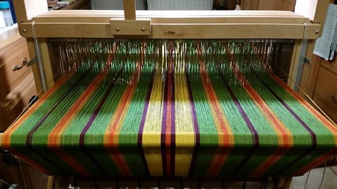 Loom rear