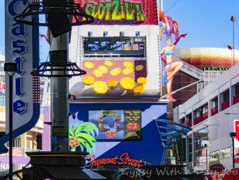 Las Vegas 101 things to Do, See from the Sky, the Slotzilla Ziplining.