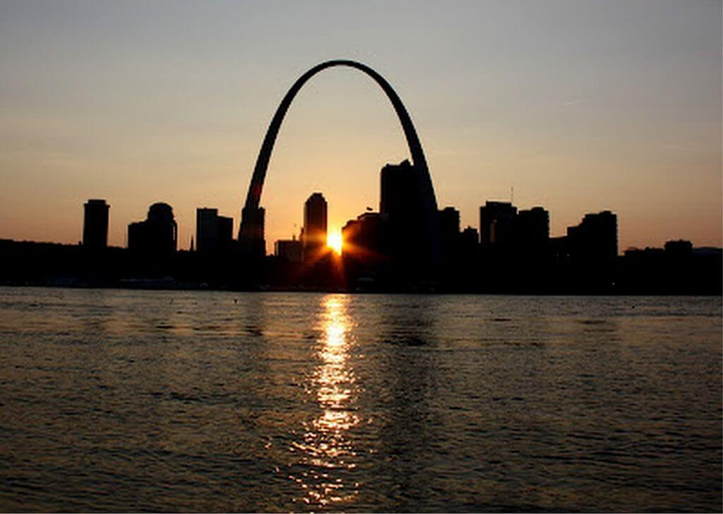 St. Louis Getaway Attractions, the Gateway Arch at sunset.