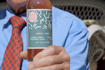 Product closeup for Cameron Winery's Spritz (Gyroscope Pictures)