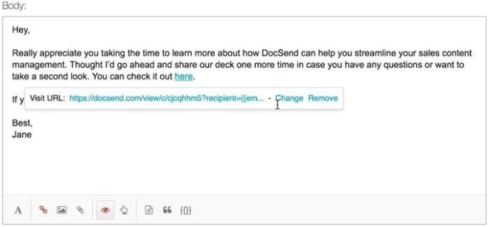 Inserting a custom DocSend campaign link within an Outreach email template.