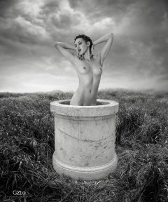 Photocreation: Gonzalo Villar - Model: Olga Alberti - Photo: Manuel Torres