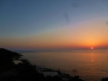 南大東島塩屋海岸の夕日