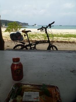 恩納村のビーチ