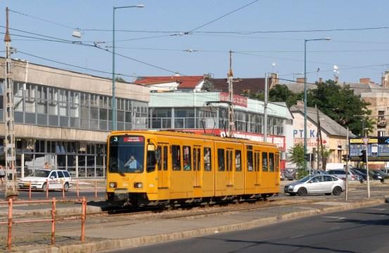 20130704_Straszenbahn_Budapest_Stadtbahnwagen_Type_6000_von_Hannover