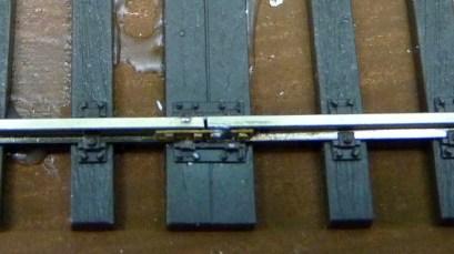 Längenausgleich auf Doppelschwelle mit Schienenlaschen Detail