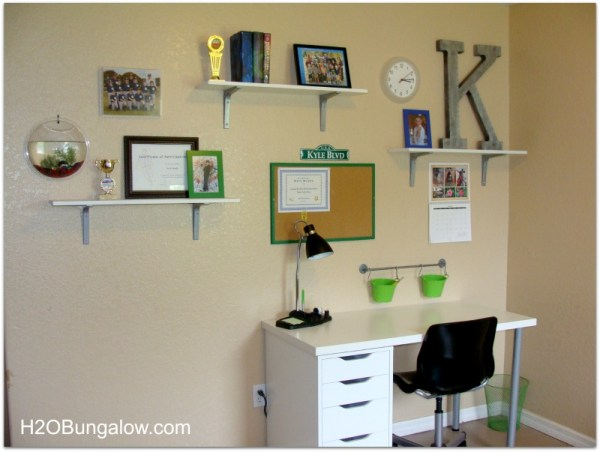 Organize a tween room with these items