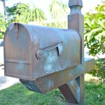 Coastal-Copper-Mailbox-Makeover-With-Modern-Masters-Metal-Effects-H2OBungalow
