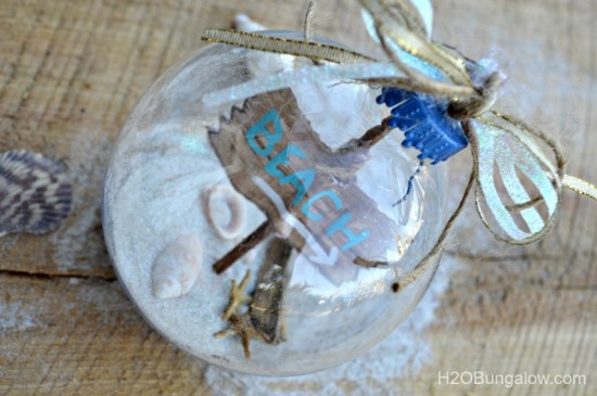 Beachy-coastal-Christmas-ornament-H2OBungalow
