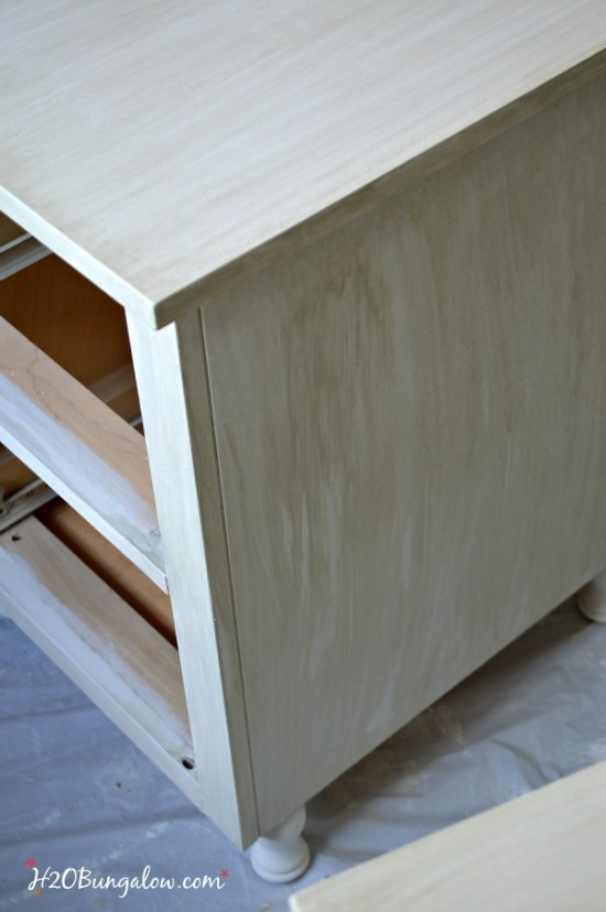 Makeover-steps-with Amy-Howard-Paints-to-age-white-nightstand-H2OBungalow