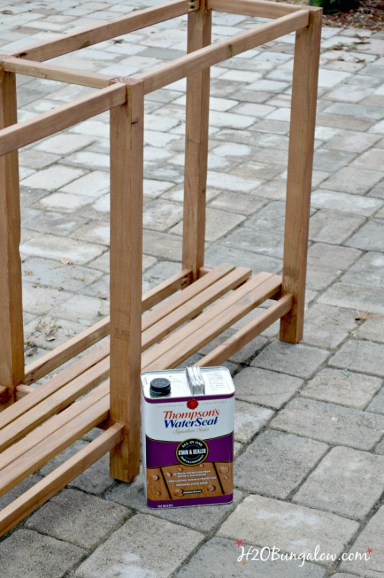 stain-outdoor-DIY-sofa-table-with-Thompsons-WaterSeal-H2OBungalow