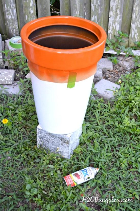 Color-coordinated-backyard-planters-H2OBungalow