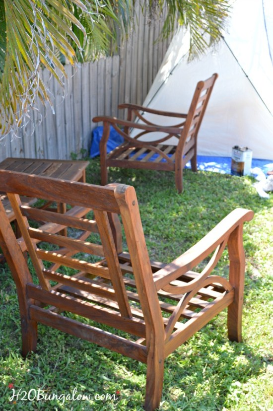outdoor-DIY-teak-furniture-refinish-H2OBungalow
