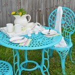 I've got 7 colorful spring outdoor DIY projects with tutorials to share with you today. I love spring home decor projects, they brighten dark corners and remind us of pretty flowers blooming, warmer weather ahead.Add one of these to freshen up your outdoor space and be ready for spring and warmer weather ahead.