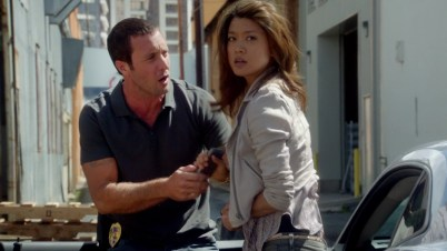 Kono, don't take my phone! You know I can't live with out it!!