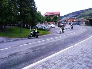 Očitno je bil tisti dan tudi Vespa rally.