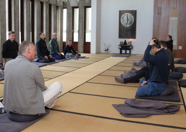 """Workshop """"Meditation"""" mit Uwe an der BSM 2014 …"""