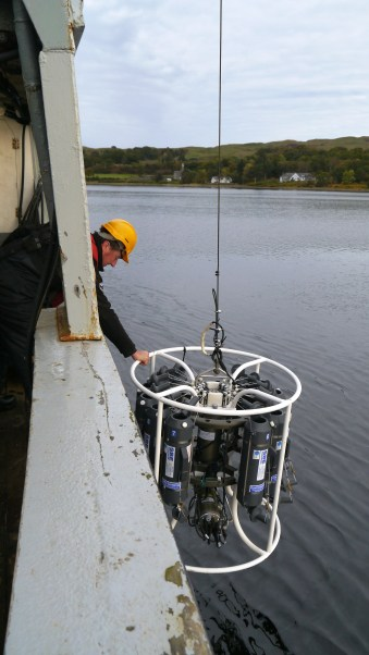image 2. Deployment of the CTD.