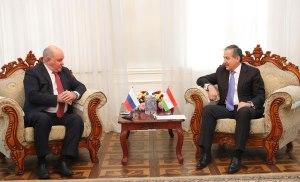 """Таджикистан и Россия договорились о совместной борьбе с """"экстремизмом"""""""