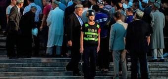 Китай объявил вне закона соблюдающих Ислам уйгуров