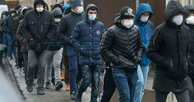 Россия: Медведев предложил ужесточить для мигрантов правила въезда