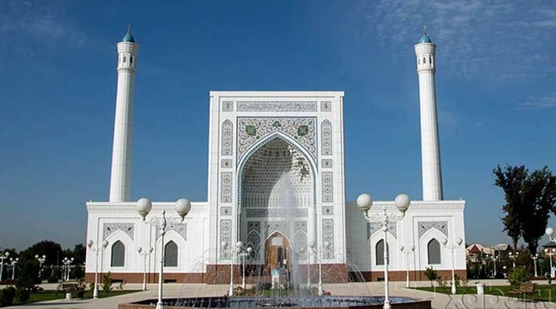 В Узбекистане снова отменили праздничный намаз
