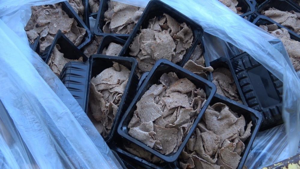 Gıda güvenliği skandalına konu olan 100 kg. döner kireç dökülerek toprağa gömüldü! - Gıda Dedektifi