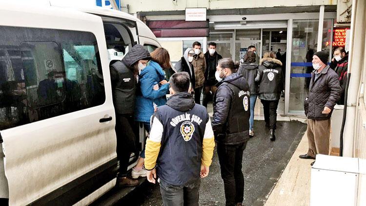 Boğaziçi'nde yerdeki Kabe fotoğrafı için 2 tutuklama