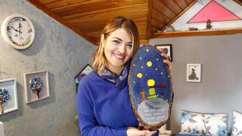 Hobi olarak başladığı taş boyama sanatıyla, taş ve ahşaba hayat veriyor