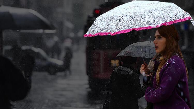 Meteoroloji saat verdi! Türkiye yağışlı havanın etkisi altına giriyor: Sağanak, kar...