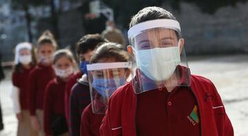 Türkiyede yeni kısıtlamalar devreye sokulurken MEBden yüz yüze eğitim açıklaması