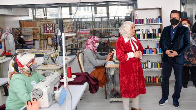 4 bin 300 kadın kent gönüllüsü ihtiyaç sahiplerine yardım ediyor