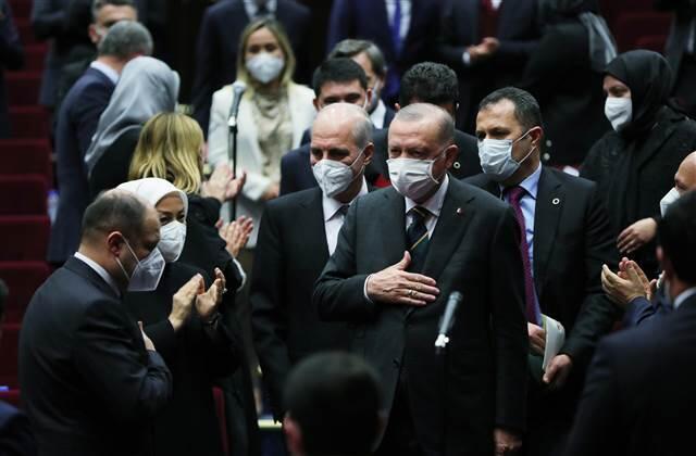 AK Parti'de isimlerden çok yapı değişti; artık güç MYK'da