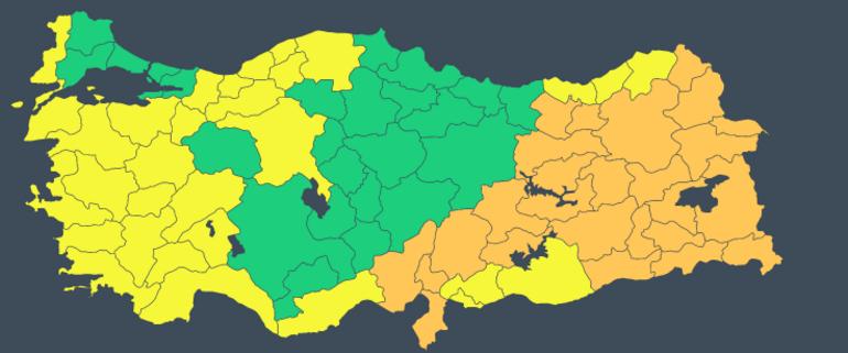 Son dakika... İstanbul ve Ankarada kar yağışı Beyaz örtü oluştu... Meteorolojiden yeni uyarı