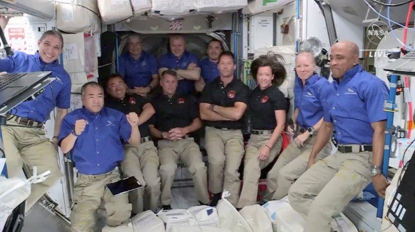 "SpaceX'in 4 astronotu taşıyan ""Crew Dragon"" ISS'e ulaştı"