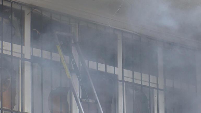 Son dakika: Arnavutköyde yangın 4 kişi yaşamını yitirdi