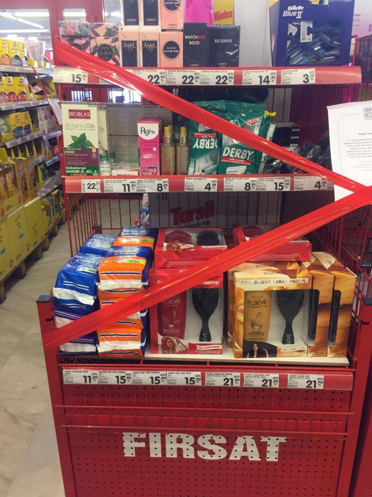 Marketlerde satış kısıtlaması getiren genelge yürürlüğe girdi; Hijyenik ped, kondom ve tıraş malzemeleri satışları da durduruldu. - Gıda Dedektifi