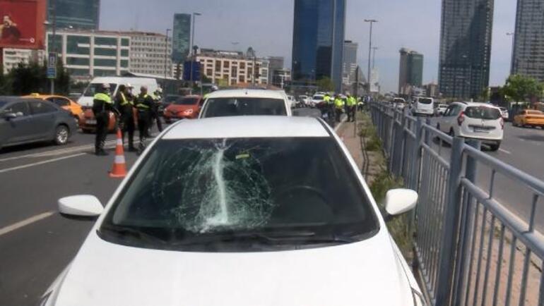 İstanbul Beşiktaşta feci kaza Makas atarak ilerliyordu... 4 yaralı 11 araç hasar gördü