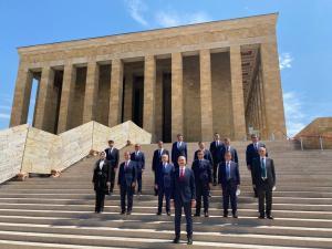 Yeni HSK üyeleri Anıtkabir'i ziyaret etti   SON TV