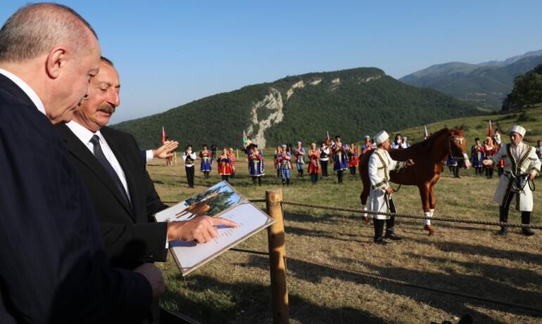 Son dakika haberi... Cumhurbaşkanı Erdoğan Şuşada... Türkiye ve Azerbaycan imzaları attı