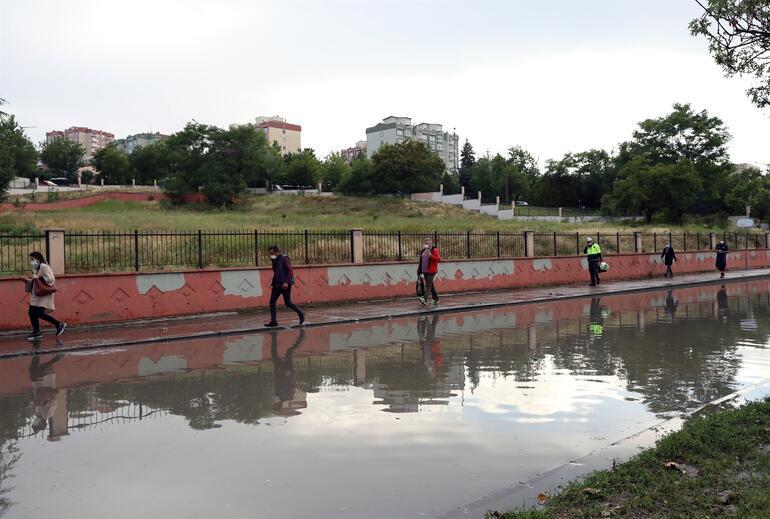 Bu kareler Ankaradan Dere taştı, çok sayıda evi su bastı